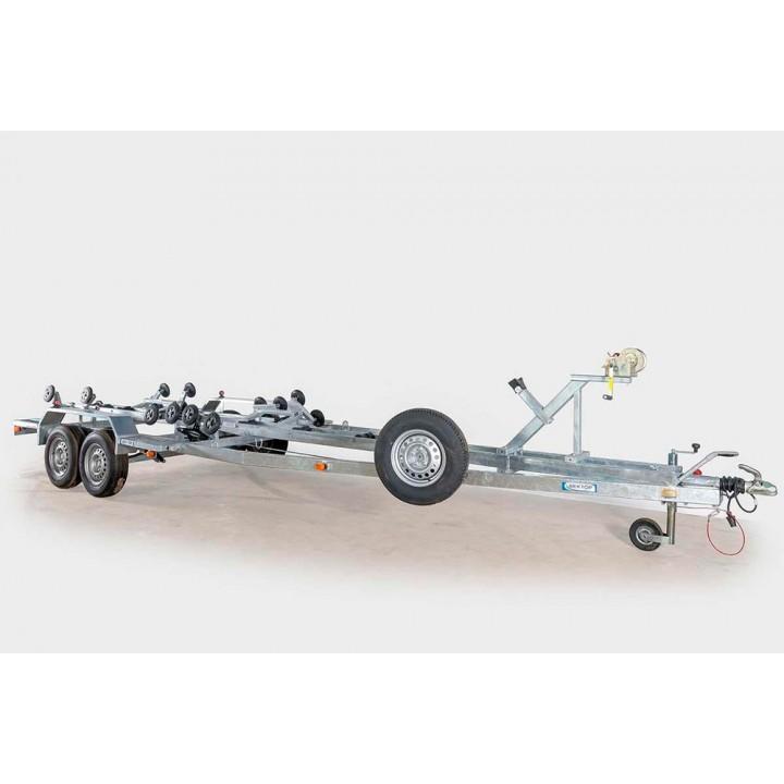 ПРИЦЕП ЛАВ 81018 для перевозки лодки, катер длиной до 8м.